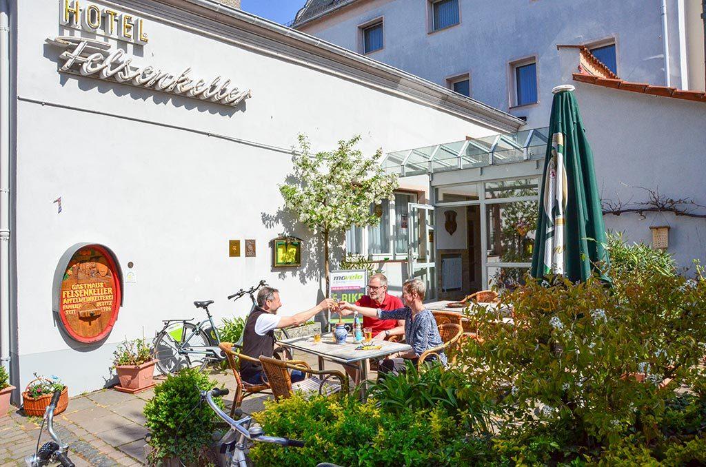 Hotel Feldenkeller im Sommer